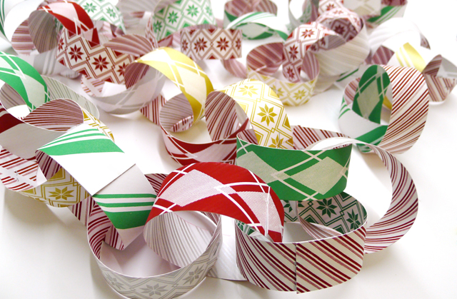 Deck the Halls with the Kid Icarus Holiday Garland!